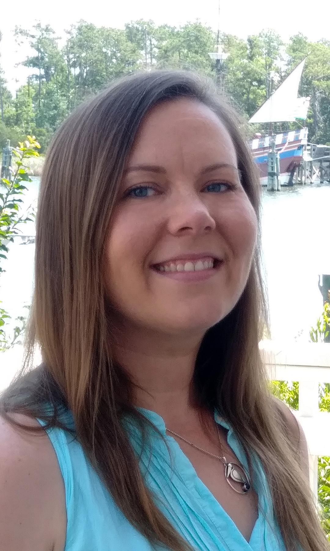 Theresa Schneider : Publisher